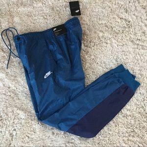 Nike Sportswear Wind Runner Pants 898403-457 Small